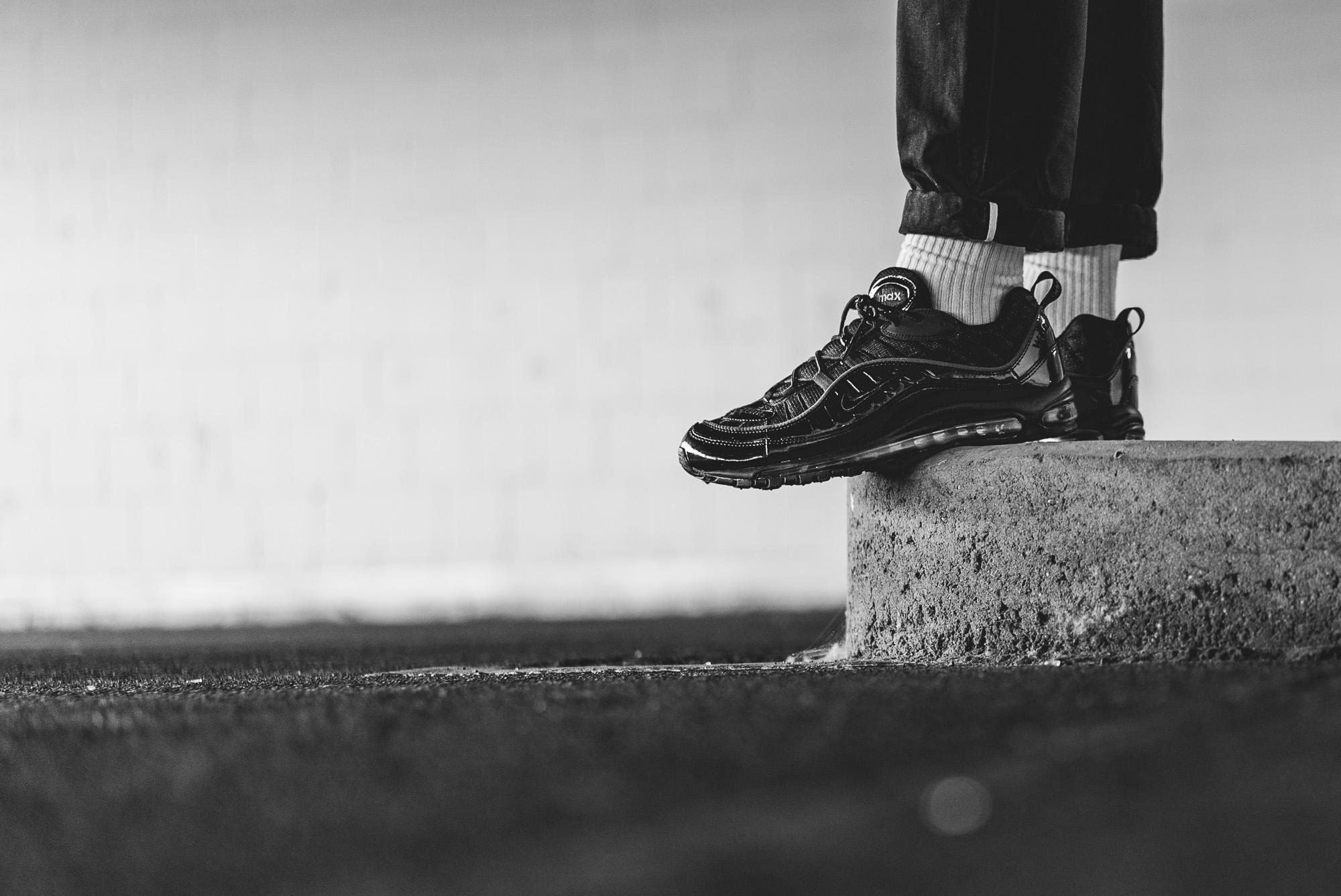 Nike Air Max 98 Supreme